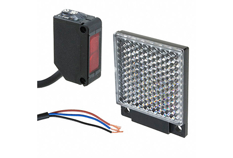 Sensor fotoelectrico con reflex 5mts. 12-24Vdc / PNP